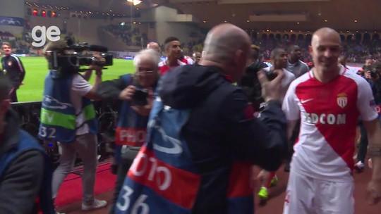 """Fabinho exalta jogo do Monaco: """"Não pressionamos só as equipes menores"""""""