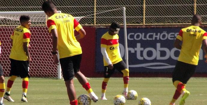 Marinho; Vitória (Foto: GloboEsporte.com)