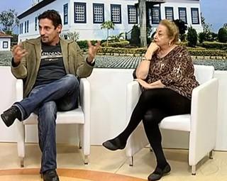 Tuca Andrada e Suely Franco falam sobre espetáculo no estúdio do RJTV (Foto: Reprodução)