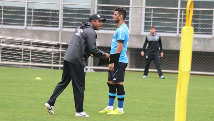 Roger Machado Maicon Grêmio (Foto: Eduardo Moura/GloboEsporte.com)