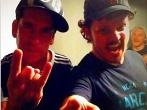 Baixista da banda Jota Quest postou foto com Champignon.  (Foto: Reprodução/Instagram)