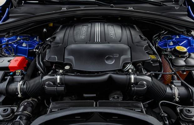 Motor 3.0 V6 do Jaguar F-Pace First Edition (Foto: Divulgação)