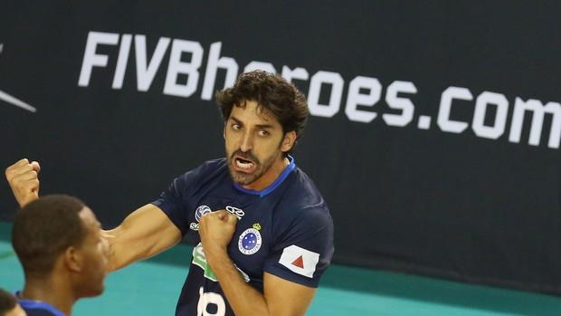 Filipe vibra com título do Cruzeiro (Foto: Divulgação/FIVB)