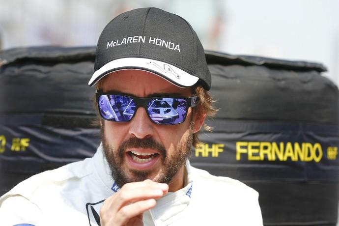 """Fernando Alonso minimizou polêmica após comentários de jornalista italiana: """"Página virada"""" (Foto: EFE)"""