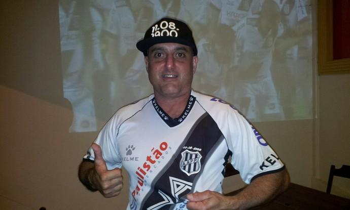 6e1bc20c51 Supersticioso  Ricardo Marques Aires só lava camiseta da Ponte Preta após  derrotas (Foto