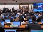 Deputados se dividem em comissão sobre parecer contrário a Temer