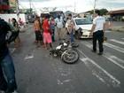 Batida entre carro e moto em faixa de pedestre deixa homem ferido, no AM