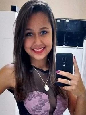 Franluíscyli Mendonça foi esfaqueada pelo ex-namorado, em Pires do Rio, Goiás (Foto: Arquivo Pessoal)