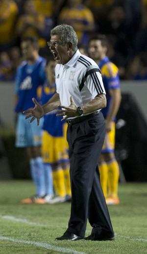 Ricardo Ferreti treinador Tigres (Foto: AP Photo/Eduardo Verdugo)