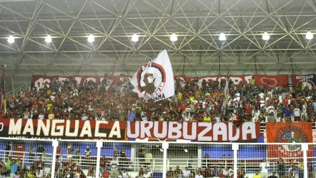 Torcida do flamengo, em torneio de showbol em Manaus (Foto: Frank Cunha/GLOBOESPORTE.COM)