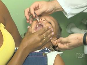 Campanha de vacinação contra a poliomielite continua em São Luís (Foto: Reprodução/TV Mirante)