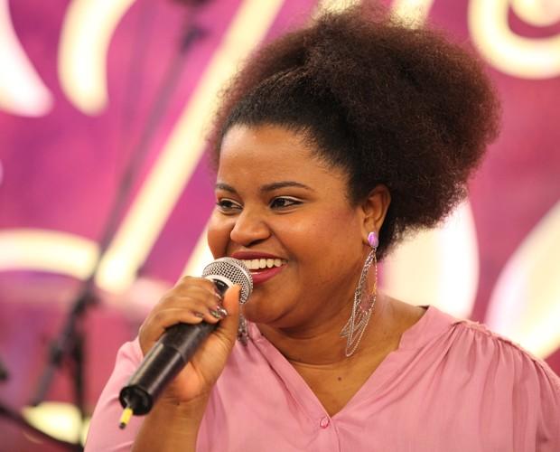 Rose Oliver responde aos internautas sobre seu om musical (Foto: Isabella Pinheiro/ GShow)