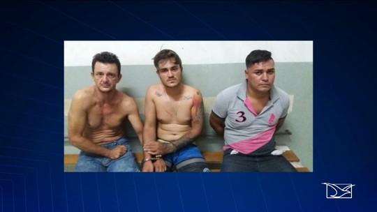Três suspeitos de participar de roubo a joalheria são presos em Caxias
