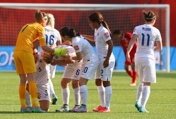 Bassett gol contra Japão x Inglaterra (Foto: Getty Images)