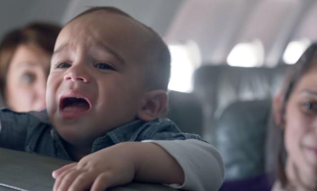 """""""Dai-me paciência!"""", dizem as pessoas diante de cena assim num voo"""