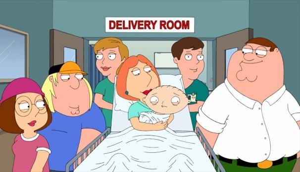 Chega a hora do nascimento de Stewie e Brian tem que consertar a máquina sozinho (Foto: Divulgação/Reprodução)