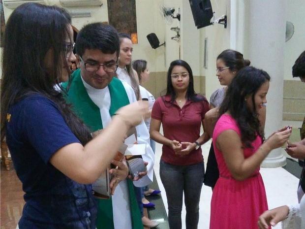 Jovens organizaram missa pelo Enem (Foto: Ravaneli Moraes/Arquivo Pessoal)