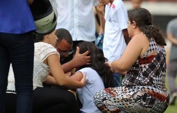 Confusão entre mãe e viúva do lateral Gimenez provoca susto em velório