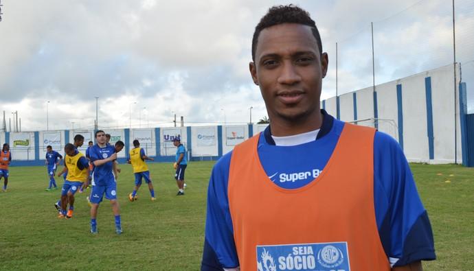 Diogo, lateral-direito do Confiança (Foto: Felipe Martins)