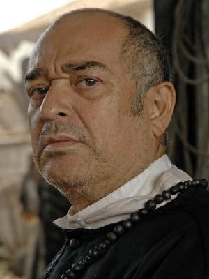 Zé Adão Barbosa como Padre Lara na minissérie 'O Tempo e O Vento' (Foto: Divulgação/TV Globo)