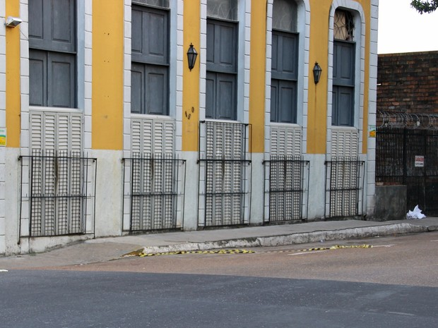 Corpo de vítima esfaqueada foi encontrado na Avenida Sete de Setembro (Foto: Gabriel Machado/G1AM)