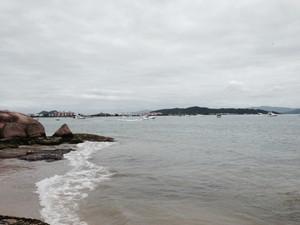 Sábado deve ser marcado pela nebulosidade e chuva localizada em SC (Foto: Márcia Callegaro/G1)