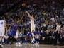 Warriors nocauteiam Knicks e chegam a 50 jogos de invencibilidade em casa