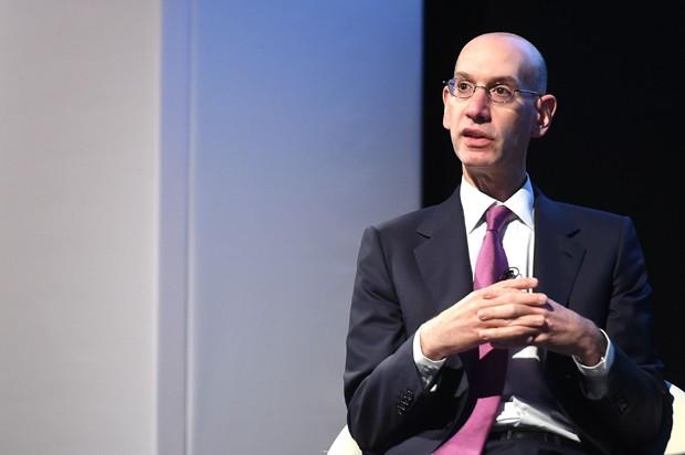 O commissário Adam Silver fala durante o evento Leaders Meet Innovation em 2015 (Foto: Tom Dulat/Getty Images)