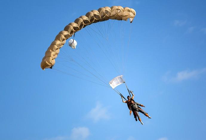 Jesus Luz Skydive em Foz do Iguaçu (Foto: Divulgação)