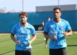 Grêmio treino Maxi Rodríguez Maicon Negueba Grêmio (Foto: Eduardo Deconto/GloboEsporte.com)