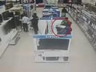 Mulher rouba TV e esconde aparelho debaixo do vestido na Zâmbia