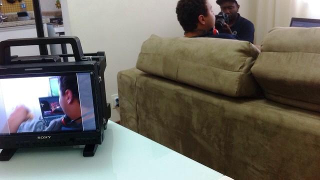 Campanha msotra cenas cotidianas para aproximar a realidade do risco (Foto: Reprodução TV TEM)