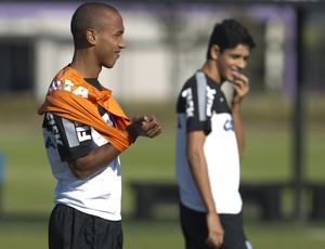 Leo e Paulo Victor Corinthians (Foto: Daniel Augusto Jr / Agência Corinthians)