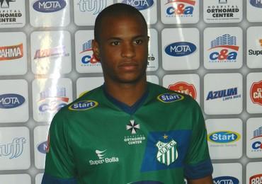 Wellington Melo, atacante do Uberlândia Esporte Clube no Campeonato Mineiro de 2016 (Foto: Caroline Aleixo)