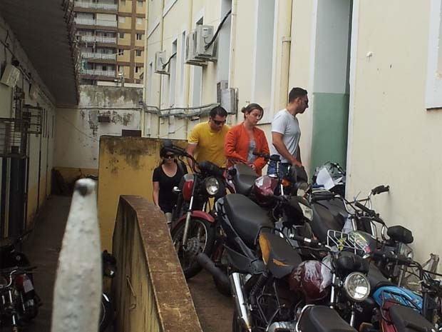 Natália Ponte chegou à delegacia por volta das 11h desta sexta-feira (Foto: Eduardo Guidini/G1)