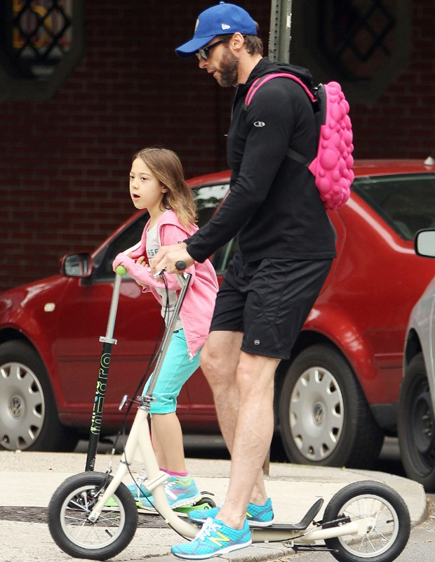 Hugh Jackman e a filha, Ava (Foto: Grosby Group)