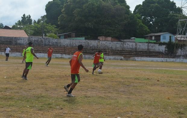 Preparação São Raimundo (Foto: Weldon Luciano- GLOBOESPORTE.COM)