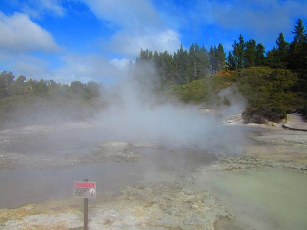 Algumas piscinas naturais têm composição perigosa e poderiam dissolver um corpo humano (Foto: Juliana Cardilli/G1)