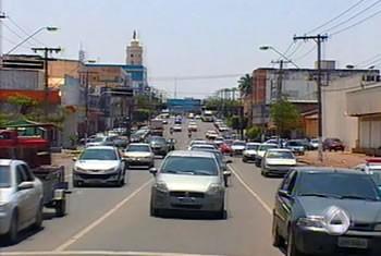 Avenida XV de Novembro em Cuiabá (Foto: Reprodução/TVCA)