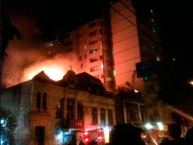 boate cabaret incêndio Porto Alegre (Foto: Duda Garbi/RBS TV)