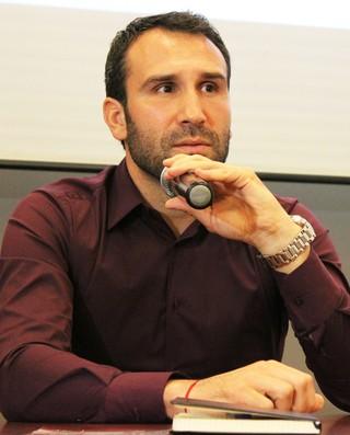 Sérgio Vieira, técnico da Ferroviária (AFE) (Foto: Leonardo Fermiano)