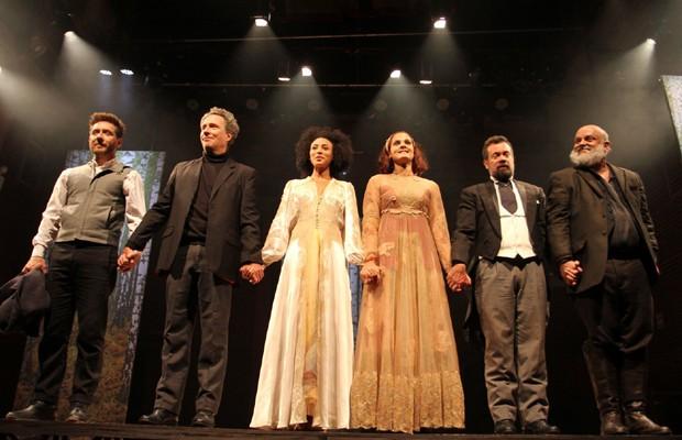 Sheron Menezzes está em cartaz com a peça 'Ivanov' (Foto: Thyago Andrade/Brazil News)