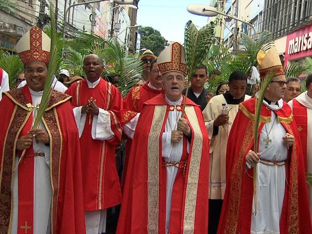 Arcebispo Primaz do Brasil, Dom Murilo Krieger, celebrou missa (Foto: Imagens / TV Bahia)