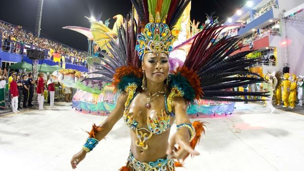 Protegidos da Princesa é a campeã do Carnaval 2014 na capital (Luiz Evangelista/G1)
