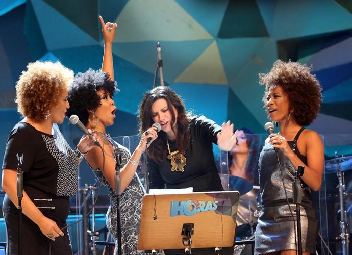 Laura Pausini canta com as meninas da Banda Altas Horas (Foto: Carol Caminha/Gshow)