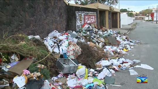 Lixo é despejado de forma irregular em área nobre