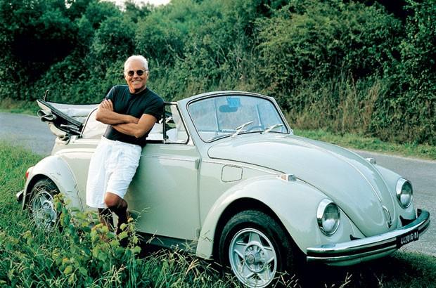 e9d3467432450 Giorgio Armani em um raro momento de férias (Foto  Divulgação)