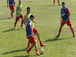 Primeiro jogo-treino do Guarani-MG Divinópolis (Foto: Reprodução/TV Integração)