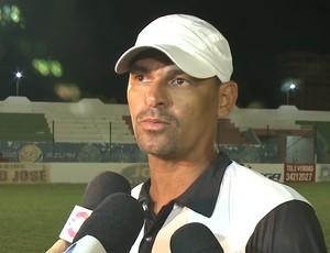 Cláudio Carioca, treinador do Sabugy (Foto: Reprodução / TV Paraíba)