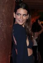 Fernanda Motta passa saia justa por causa de vestido: 'Não tirem foto!'